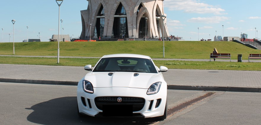 Jaguar F-type без водителя