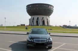 Mercedes E class w212 черный